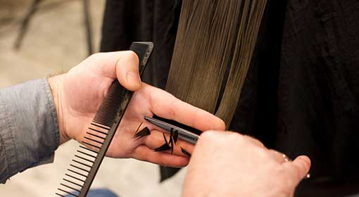 ヘアドネーション 髪を切るだけで出来るボランティア